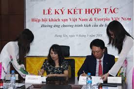 hop tac KS